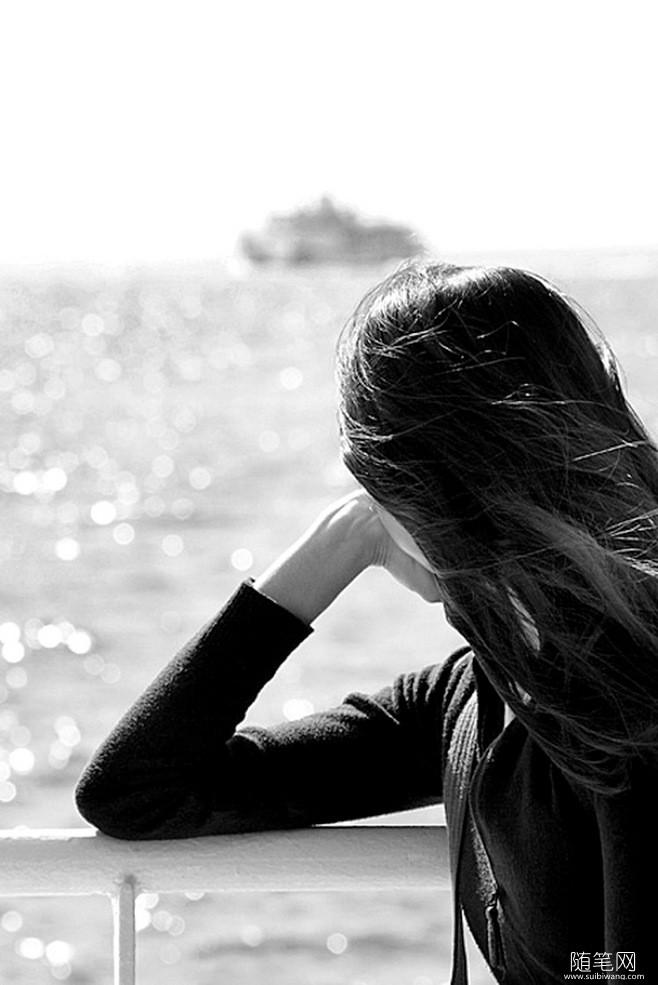 卡塔海滩,我看着都心醉,于是问了她,为什么这些照片不上传朋友圈?