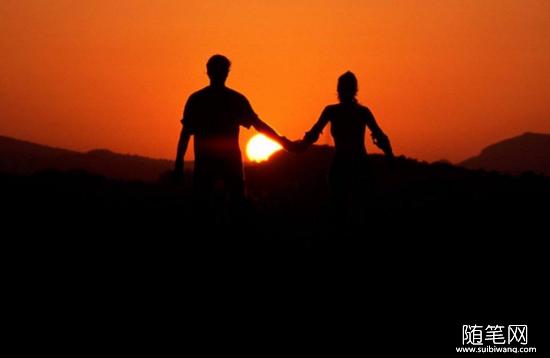 最好的爱情是:我崇拜你,你宠爱我!